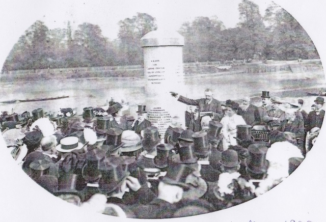 Unveiling of the Brentford Monument, 1909